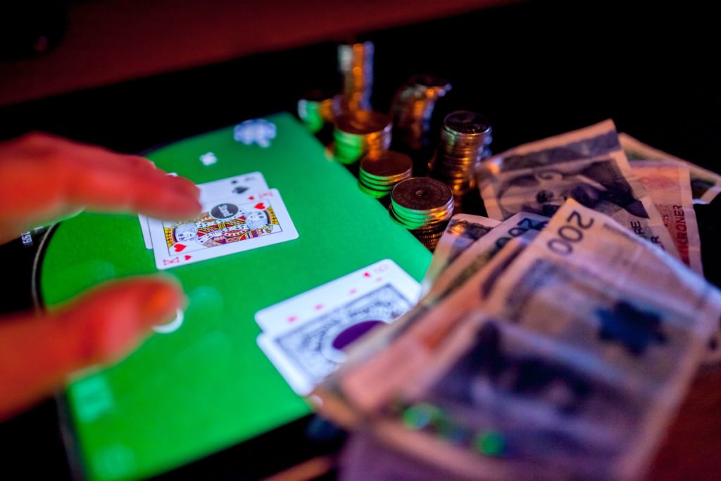 Ways To Purchase An Utilized Casino Poker Online